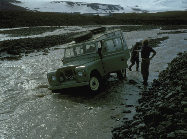 iceland_car_stuck_in_river_1972