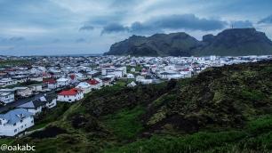 เมือง Heimaey ประชากร 4,000 คนบนเกาะ Westman