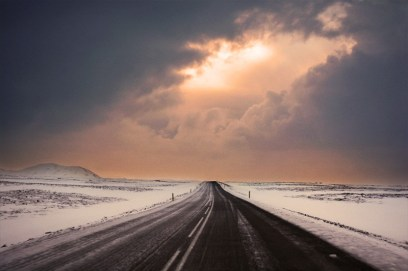 Credit : http://www.anxiousadventurers.com/practical-tips-winter-driving-iceland/